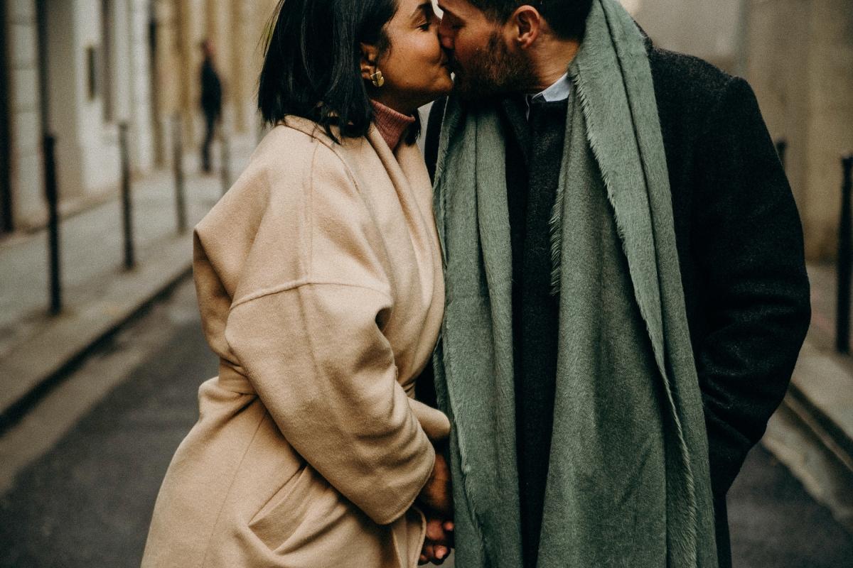 PARIS ROMANTIC ENGAGEMENT SESSION   ARIANE & ANTONIO   DESTINATION WEDDINGPHOTOGRAPHER